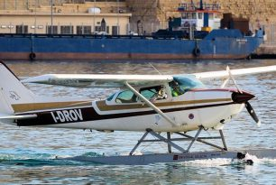 Two seaplanes flew from Como to Malta