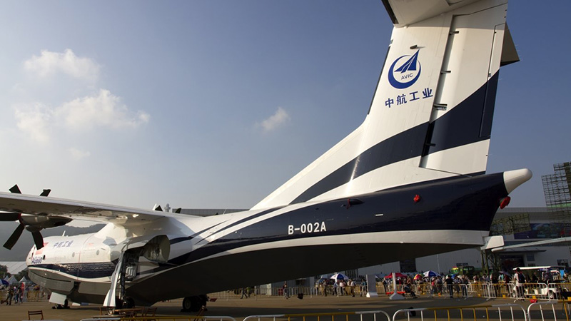Chinese AG600, the world's largest seaplane makes first water-based
